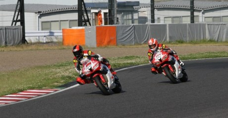 Supersport 600 Dimas #20 dan Gerry #31