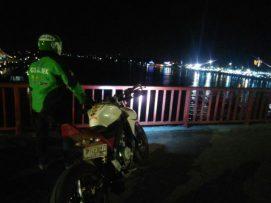 di Jembatan Ampera