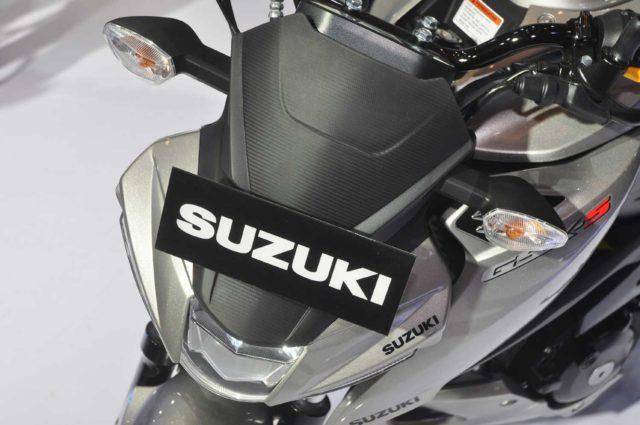 Detail Headlamp GSX-S150 dari atas