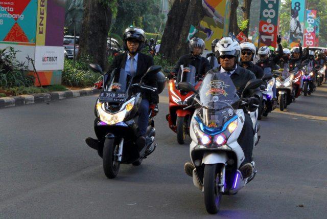 scooter ride 11184628232..jpg