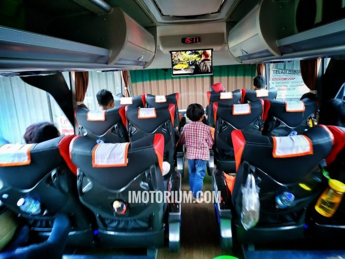 Bus Rosalia Indah Double Decker deck atas