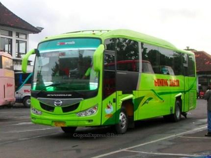 PO Gunung Harta bus imotorium (1) ATB Hino AK