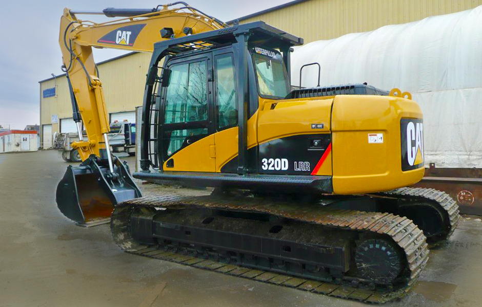 RENT A CAT 320DRR EXCAVATOR IN VANCOUVER