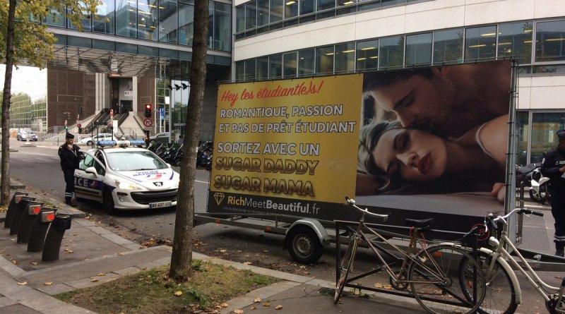 La publicité Sugar Daddy devant France Télévisions. - Twitter @CParrot