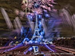 feu artifice tour eiffel 2020 07