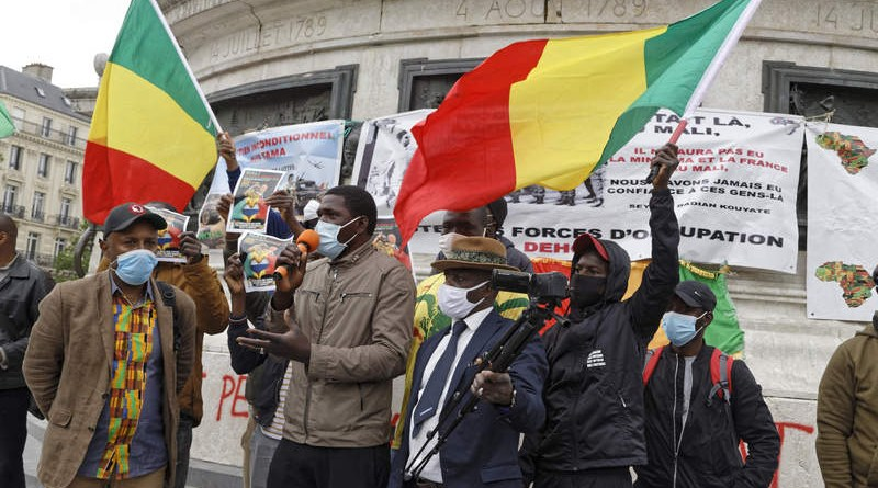 Mali: Rassemblement à Paris, « fin » de l'opération Barkhane