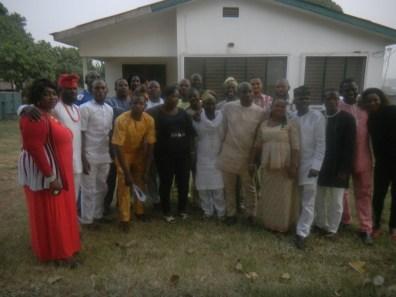Members of Oriwu College, Ikorodu (OCOSA) '95 Set in group photograph