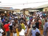 Oba Kasali in the midst of the jubilant crowd in Igbogbo during the procession