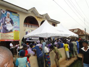 Crowd at Ipebi, a place of seclusion for Oba Semiu Kasali for the next three months
