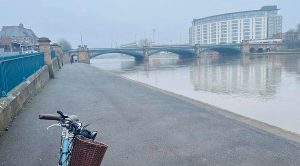 Image of Nottingham Canal and a bike