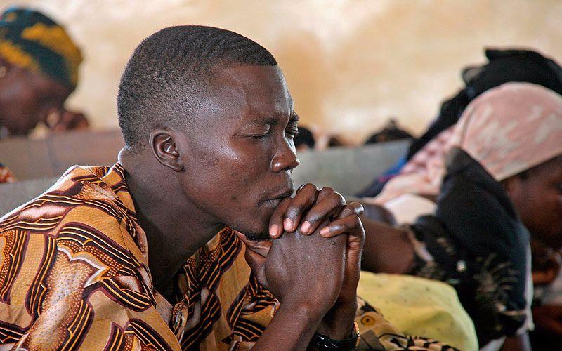 Cristianos arriesgan sus vidas por asistir al culto en Nigeria