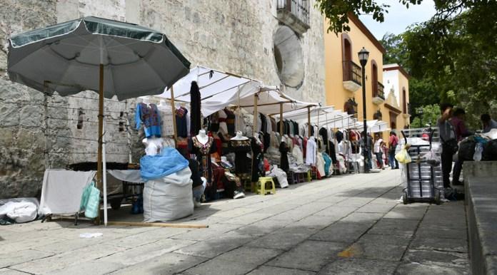 Contemplan reubicar ambulantes en plazas y en la Central de Abasto de Oaxaca