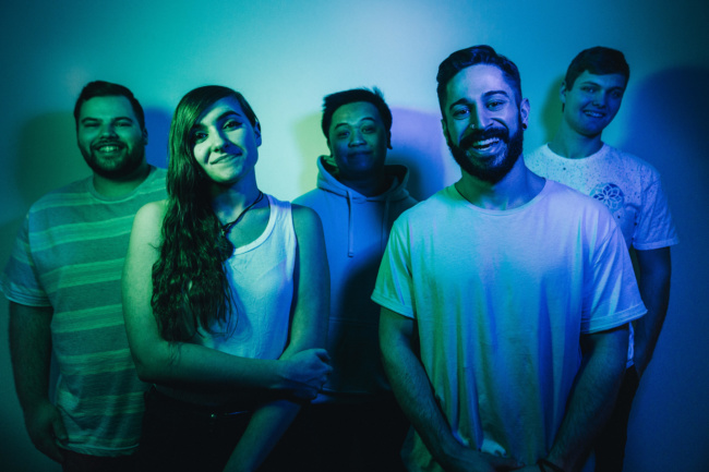 "the ones you forgot premiere ""luna"", share inspired first date ideas"