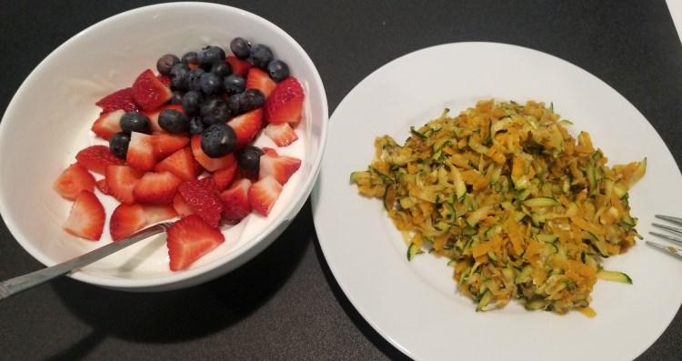 Food yogurt and sweet potatoe zuccini hash