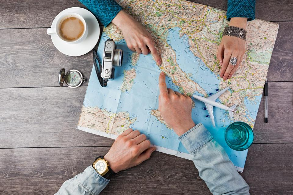 STUDY ABROAD STARTERS KIT: PREPARE TO EXPLORE A NEW WORLD
