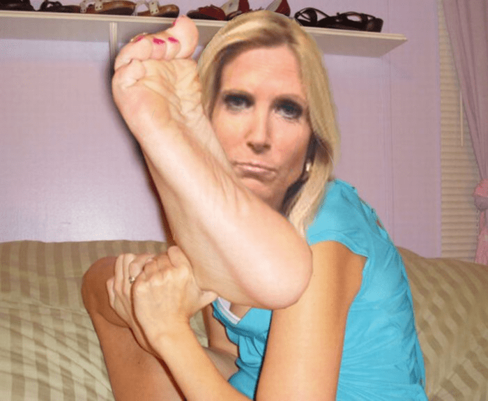ann-coulter-with-giant-feet-_tufk