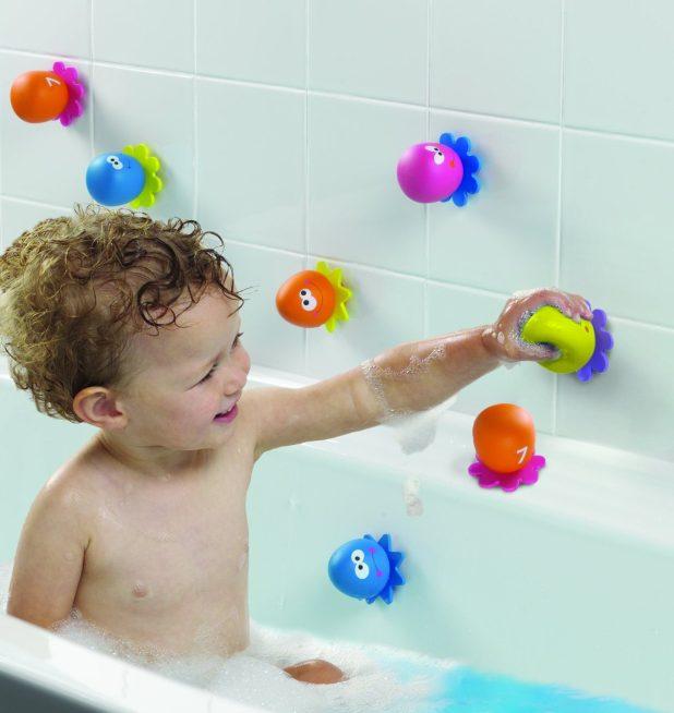 Pilih Mainan yang Mudah Dicuci - Tips-Tips yang Perlu Diperhatikan dalam Memilih Mainan Anak Perempuan