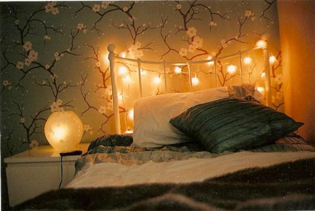 Bentuk Suasana Romantis Bersama Pasangan dengan Bantuan Lampu LED Kecil - Wujudkan Kamar Impian dengan Lampu LED Kecil - Home Design Ideas