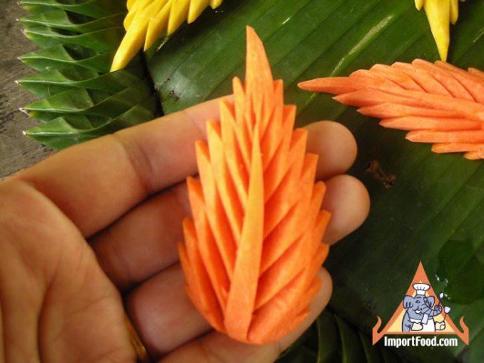 Thai Street Vendor Video - Thai Vegetable Carving: Carrot