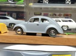Same wheels, but VW Bug hub caps.