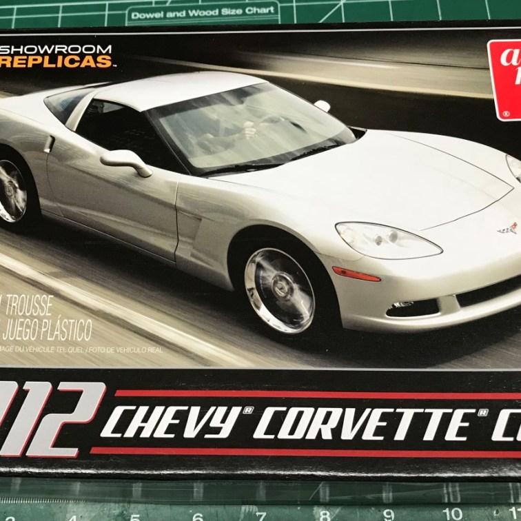Here is the box art for the 2012 C6 Corvette coupe.