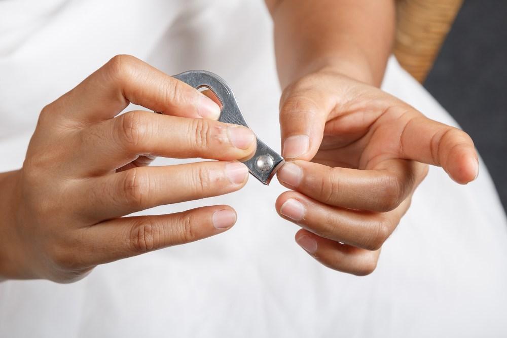 Los corta uñas y las rasuradoras son personales, al compartirlas se umenta el riesgo de transmisión de infecciones, tales como Hepatitis C y ciertas infecciones de estafilococo.