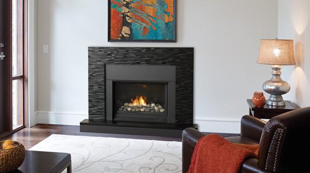 Regency Horizon HZ33CE Small Gas Fireplace