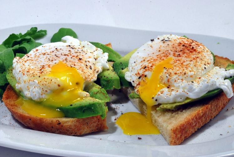 egg on toast with avocado