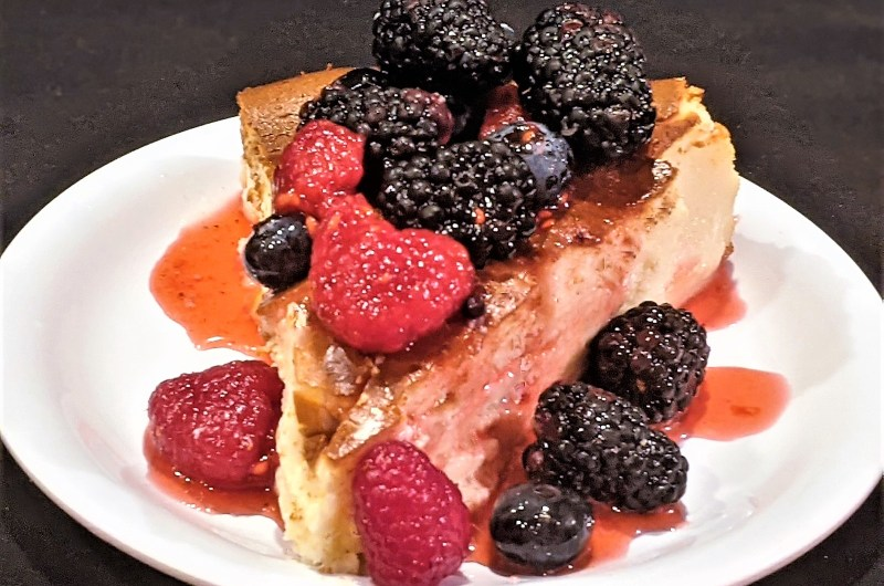 Burnt Cheesecake with Very Berry Sauce