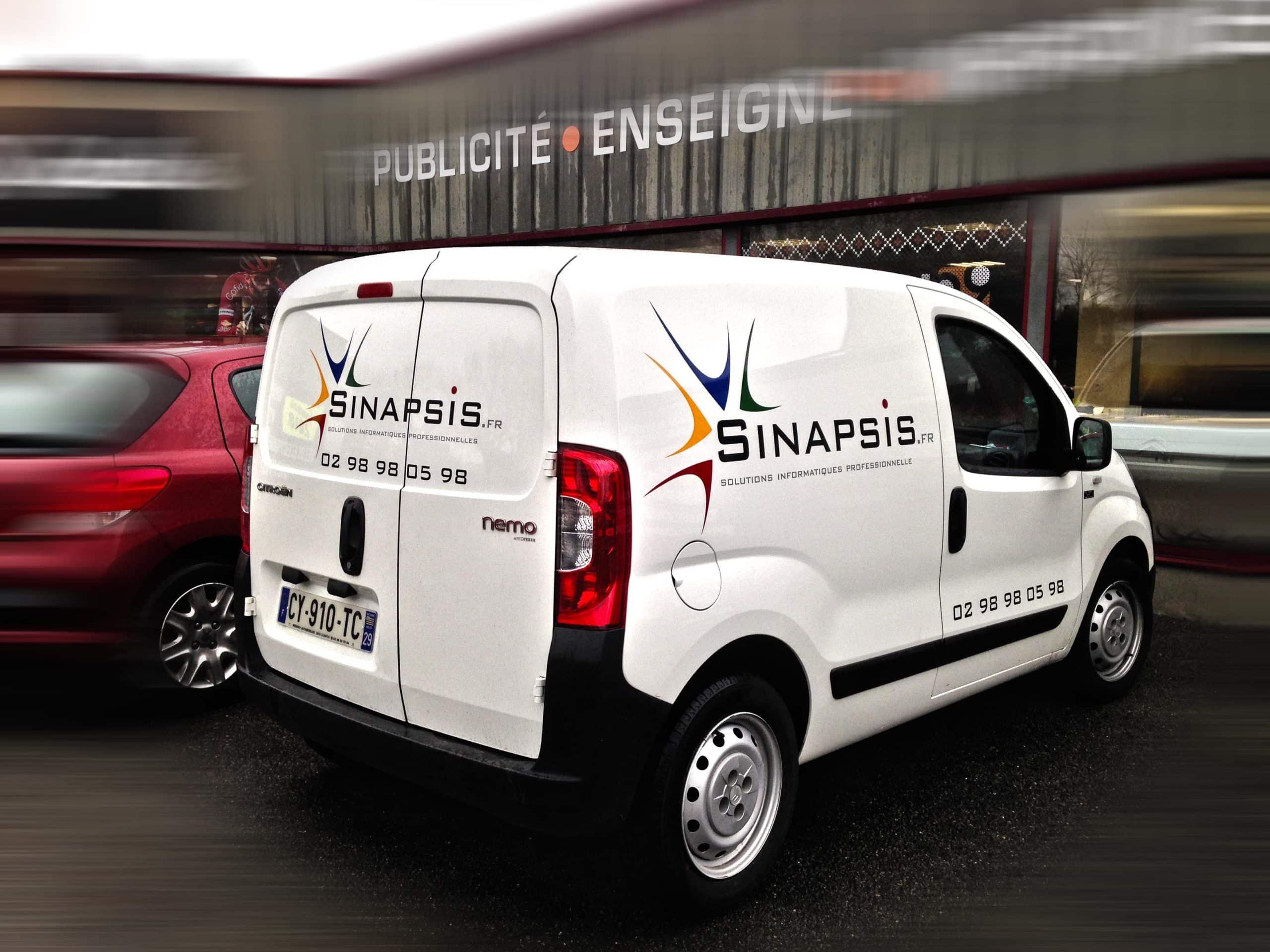Marquage adhésif sur véhicule - Sinapsis