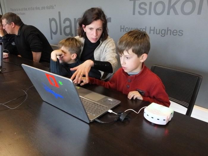 Les enfants peuvent eux-mêmes programmer Thymio, grâce à une interface facile d'utilisation