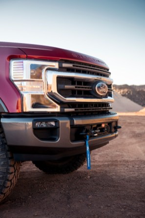 Ford-Performance-Parts-winch-by-Warn_04