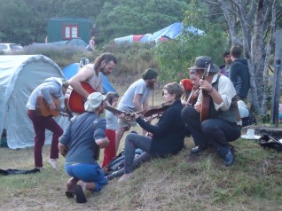 At the spiritual festival Prana my highlight was this impromptu jam session. That's me squatting with a hat. A month later I met half of them again on the South Island. Where good folks go, good folks come!