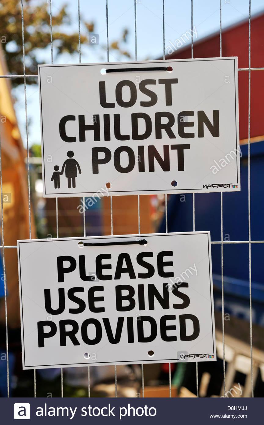 funny-juxtaposition-of-signs-D8HMJJ