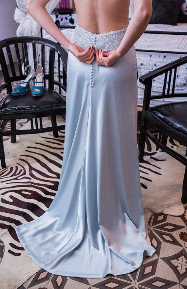Detalle del vestido de novia diseñado por Impúribus, la firma de moda especializada en novias e invitadas