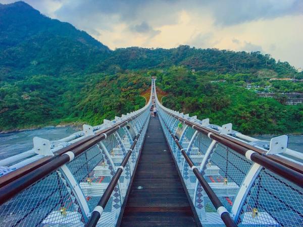 山川琉璃橋|屏東景點,屏東吊橋,山川琉璃,原住民文化,百步蛇