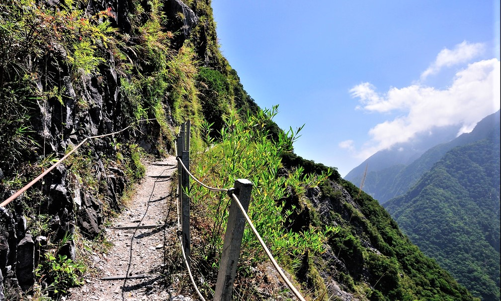 Tips You Need to Know When You Go to Zhuilu Old Trail(錐麓古道) in Hualien