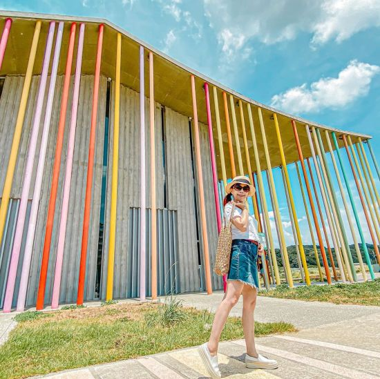 下福里市民活動中心 林口景點.洪福宮,彩虹景點,彩虹柱