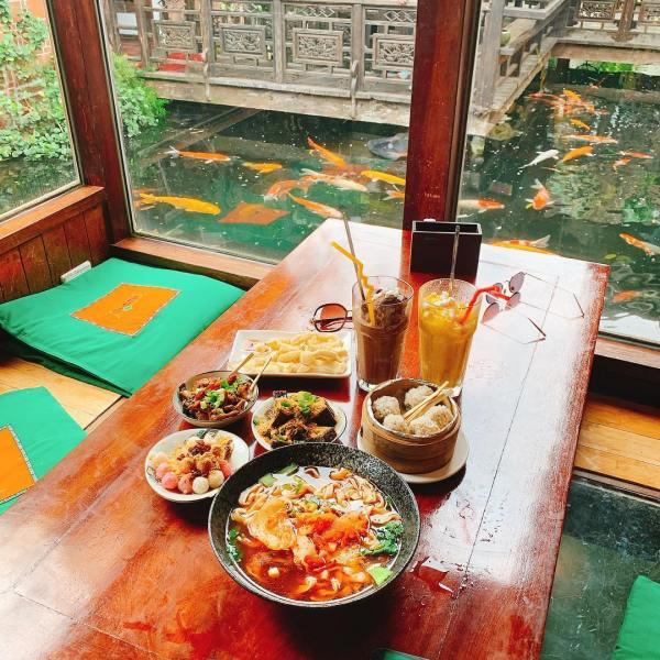 桃園景點 桃園餐廳 古色古香建築 友竹居 復古建築 復古餐廳 古早味 古裝 中國風