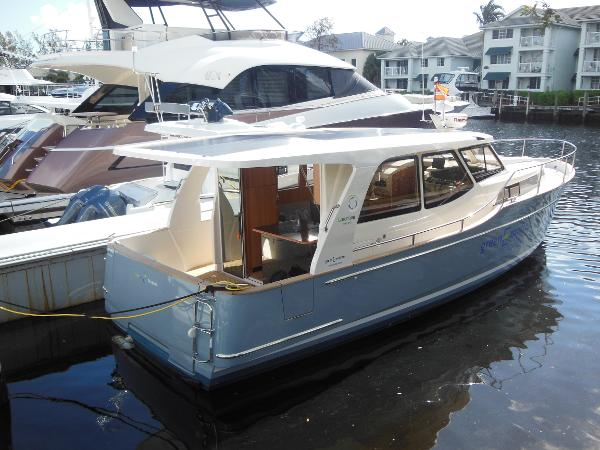 33 Greenline 33 Hybrid Limited Edition 2015 Yacht For Sale
