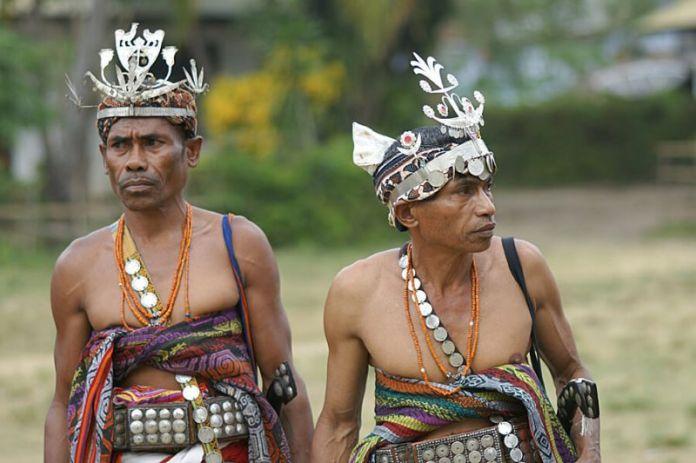 Kebudayaan Nusa Tenggara Timur Rumah Pakaian Tarian Lengkap
