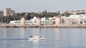 Η Ελλάδα ανοίγει στους τουρίστες, ανυπομονεί να απομακρυνθεί από την εποχή της κρίσης