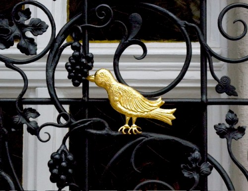 No. 3: Goldener Vogel am ...