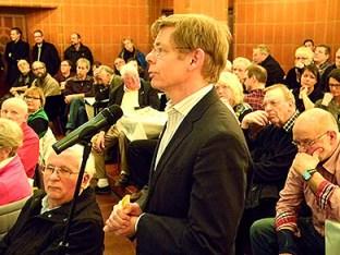 Michael Schubek bei der ersten Bürgerversammlung.