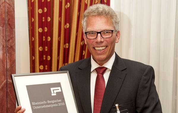 Fabian Rensch mit dem 1. Rheinisch-Bergischen Unternehmerpreis