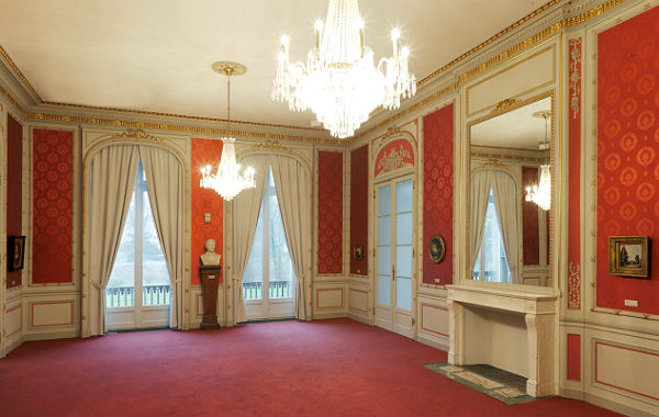 Der Rote Salon im Kunstmuseum Villa Zanders