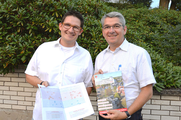 Oliver Knigge und Bürgermeister Lutz Urbach präsentierten den Marktbericht zum 10. Jubiläum von Knigge Immobilien in Bergisch Gladbach