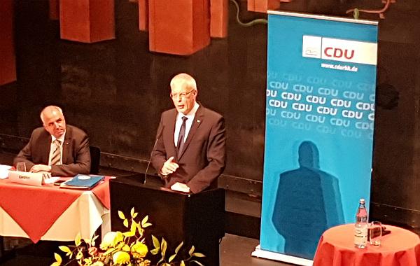 Hermann-Josef Tebroke stellt sich im Bergischen Löwen dem Kreisparteitag der CDU
