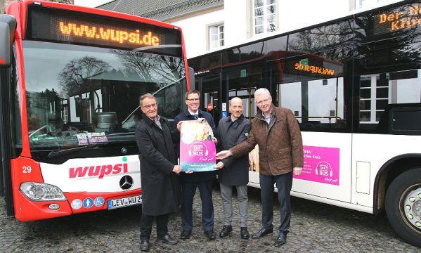 Wilmund Opladen, Landrat Stephan Santelmann, Marc Kretkowski und Udo Wasserfuhr präsentierten die Qualitätsoffensive im ÖPNV.