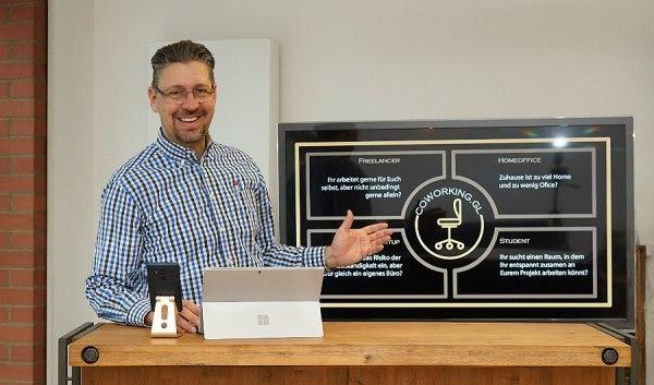 Axel Müller in seinem neuen Coworking Space an der Hauptstraße